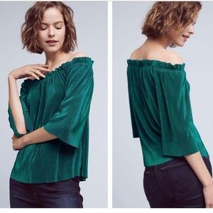 J.O.A Green Off the shoulders top , size M, new